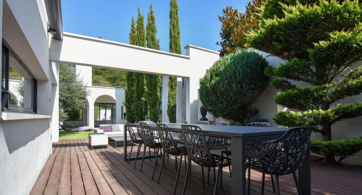 A Vendre Maison Luxe Contemporaine Bordeaux Piscine Garage Jardin Parc 6 Chambres Renovee Immobilier De Prestige