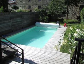 Saint seurin - croix blanche: nice stone entirely renovated on beautiful garden with pool