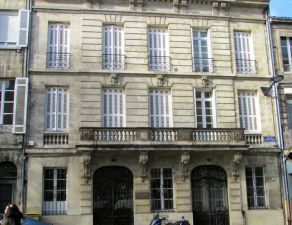 Apartment 200 m<sup>2</sup> in bordeaux € 600,000