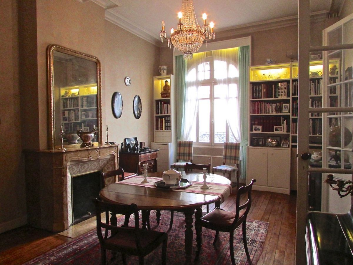 Lovely House 300m2   6 Rooms   Bordeaux (33000)