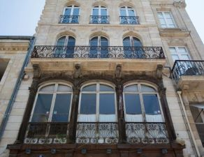 Bordeaux centre apartment in the heart of great men